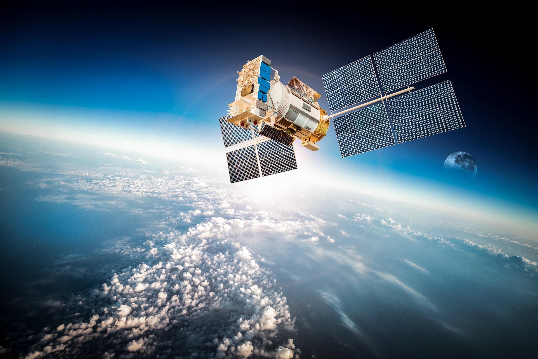 недостатком спутник в космосе фото спицами