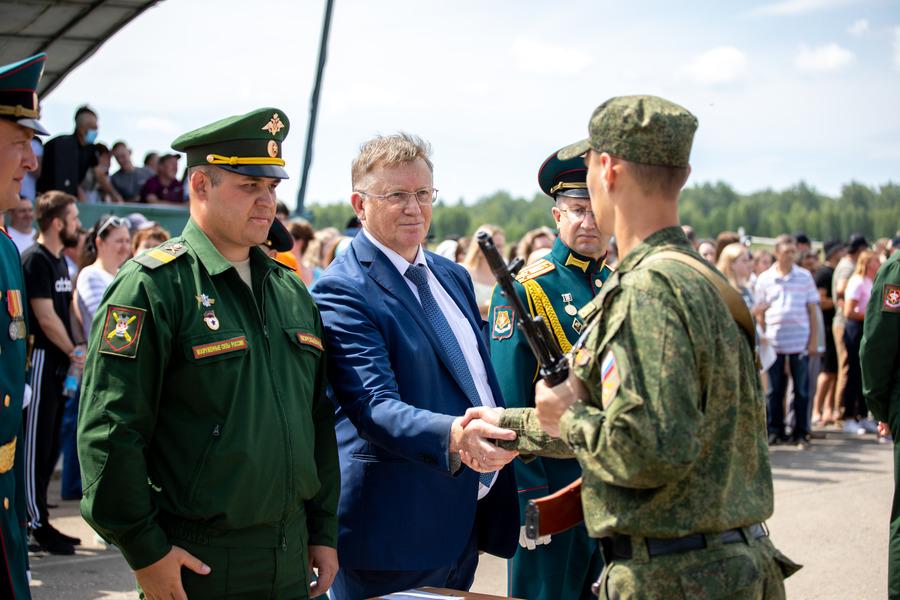 Слушатели Военного учебного центра при ЮУрГУ приняли присягу